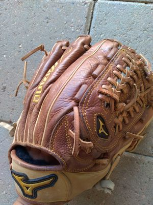 MIZUNO pro classic baseball glove for Sale in Houston, TX