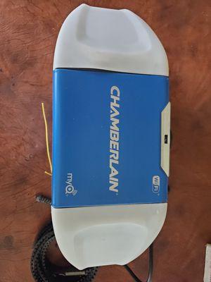 Chamberlain myQ 3/4 belt drive Garage door opener for Sale in Pembroke Pines, FL