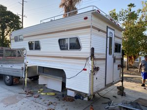 Camper for Sale in Palm Desert, CA