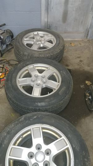 Jeep 2005 grand Cherokee wheels for Sale in Providence, RI