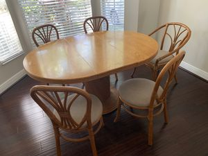 Table + 5 chairs for Sale in Hollywood, FL
