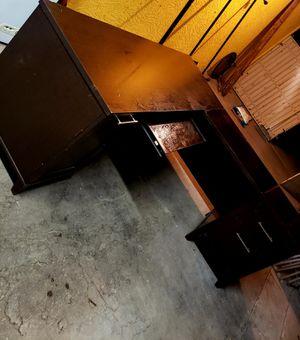 L Shape Desk HEAVY DUTY for Sale in Avondale, AZ
