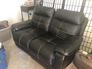 FREE RECLINER LOVE SEAT for Sale in Gilroy, CA