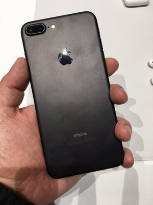 iPhone 7 Plus 32gb Unlocked with R-Sim any carrier for Sale in Lakewood, CO
