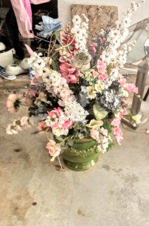 Beautiful large flower arrangement for Sale in Worcester, MA
