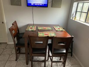 Kitchen table with chairs for Sale in El Monte, CA