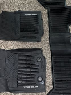 Toyota Tacoma Floor Mats 2016 for Sale in Sunnyvale,  CA