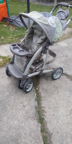 Graco stroller for Sale in Cleveland, OH