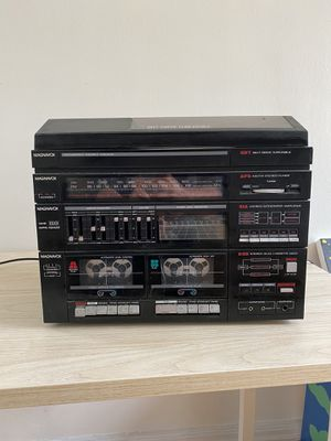 Magnavox Intergrated stereo system. for Sale in West Hollywood, CA