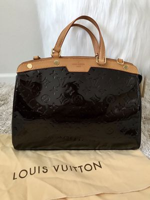 Authentic Louis Vuitton Brea MM Vernis for Sale in Kent, WA