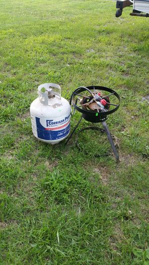 Outdoor propane cooker for Sale in Findlay, OH