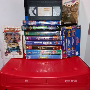 Disney VCR/DVD Player And VHS Tapes for Sale in Clearwater, FL