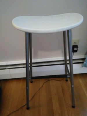1 white Ikea bar stool high tall chair 220lb aa-321913-1 for Sale in Arlington, MA
