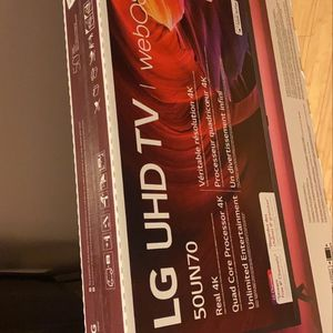 50 Inch Smart Tv for Sale in Baltimore, MD