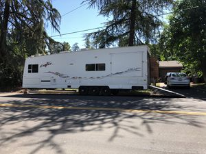2004 Kit extreme toy hauler for Sale in Fresno, CA