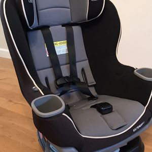 Graco Extend2Fit Convertible Car Seat | Ride Rear Facing Longer with Extend2Fit, Gotham for Sale in Brooklyn, NY