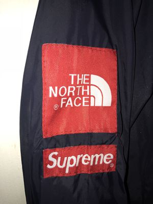 North face x supreme windbreaker for Sale in Manassas, VA