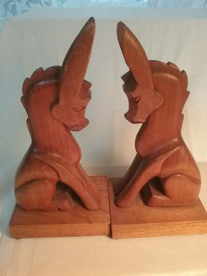 CLASSIC WOOD CARVED BOOKENDS 1940's for Sale in Monroe, WA