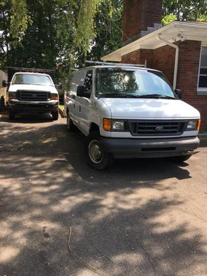 Ford e-350 for Sale in Waterbury, CT