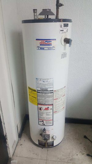 40 GALLON HOT WATER TANK HEATER **DELIVERY AVAILABLE TODAY** for Sale in Maryland Heights, MO