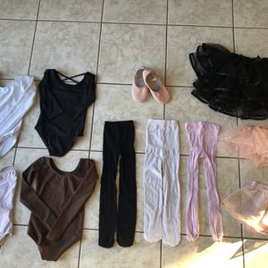 Size 3-4T Girls Ballerina Set Ballet Outfits And Shoes Size 11 for Sale in Pembroke Pines, FL