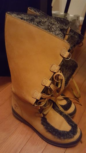 Women's Timberland boots (7 1/2) for Sale in Arlington, VA