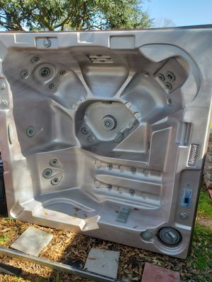 Morgan Hot Tub 7ft X 7ft for Sale in Humble, TX