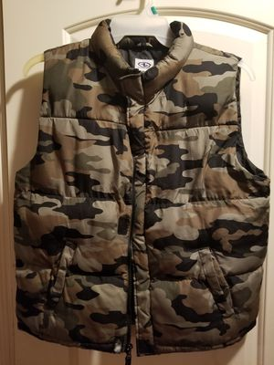 Vest warm camuflage for Sale in Houston, TX