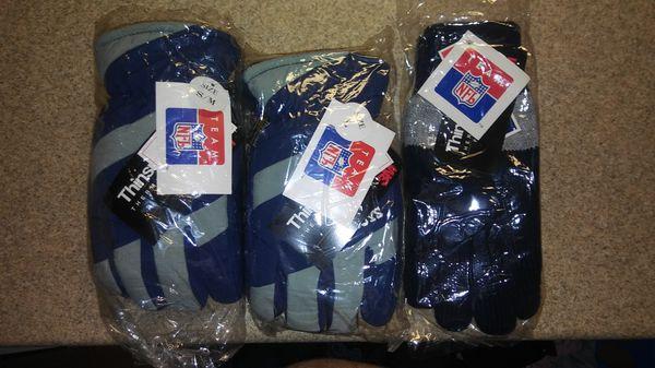 Dallas Cowboys winter gloves size: Lg & XL