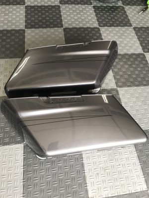 Harley Davidson saddle bags charcoal pearl road street glide touring for Sale in Long Beach, CA