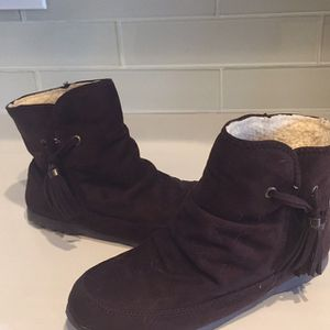 Womens 6 1/2 Brown suede Tassel Boots Ankle for Sale in Macomb, MI