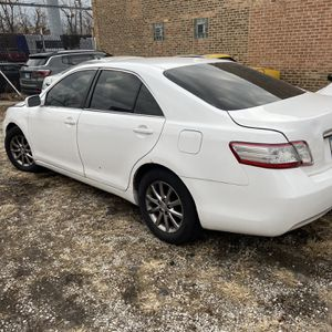 2011 Toyota Camry Hybrid for Sale in Chicago, IL