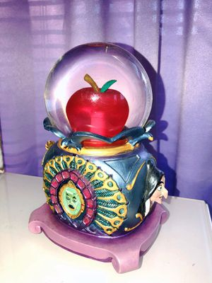 Vintage Disney Snow White Snow Globe !! for Sale in Grapevine, TX