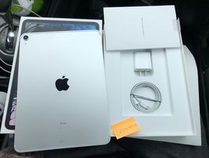 iPad Pro 11in 256GB Unlocked for Sale in Downers Grove, IL