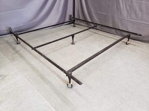 Queen metal bed frame in great condition for Sale in Boise, ID