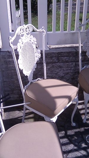 Aluminum chairs (5) total for Sale in Davidsonville, MD