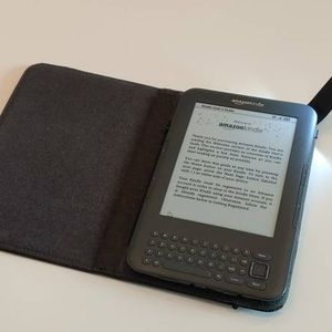 Amazon Kindle Life-Time FREE 3G + Wi-Fi Edition eBook reader with Genuine Leather Case with Light, 4GB, New Battery, Ad Free for Sale in San Diego, CA