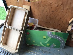 Train Table FREE for Sale in CT, US