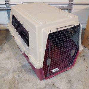 Extra Large Furrarri 450 Dog Kennel for Sale in Monroe, WA