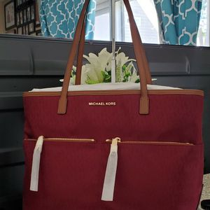 Michael kors tote bag for Sale in Temecula, CA