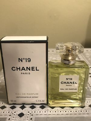 Chanel N*19 Perfume(Women) for Sale in Claremont, CA