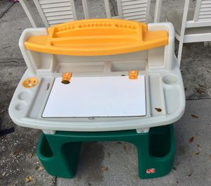 Like new kids step 2 art desk for Sale in Orlando, FL