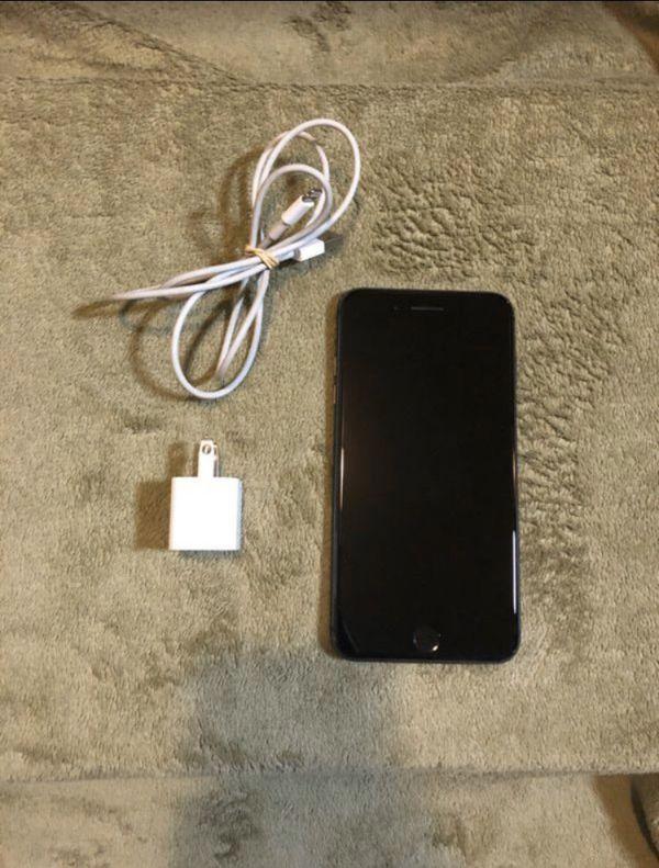 iPhone 8 Plus (Read Desc)