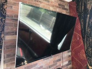 """ROKU TV 55"""" and TV Mount for Sale in Los Angeles, CA"""