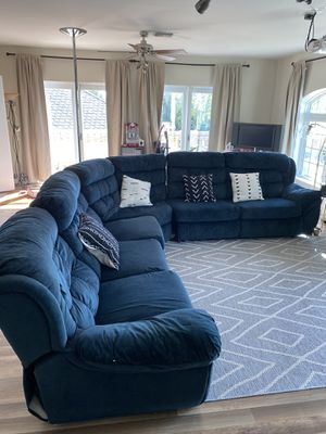 Blue sectional couch for Sale in Largo, FL