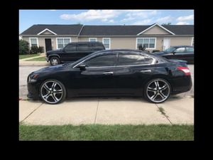 Nissan Maxima 2011 runs and drives like new 120k for Sale in Chicago, IL
