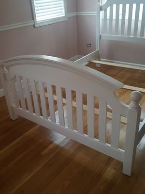 Bed frame for Sale in Chicago Ridge, IL