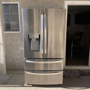 **NEW LG French Door Refrigerator NOT USED NEW** for Sale in San Bernardino, CA