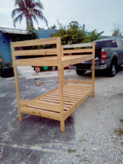 Bunk bed 🛌 frame wood perfect condition. for Sale in Palm Springs, FL