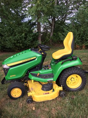 John Deere LawnTractor Model X590 With Attachments for Sale in Thurmont, MD